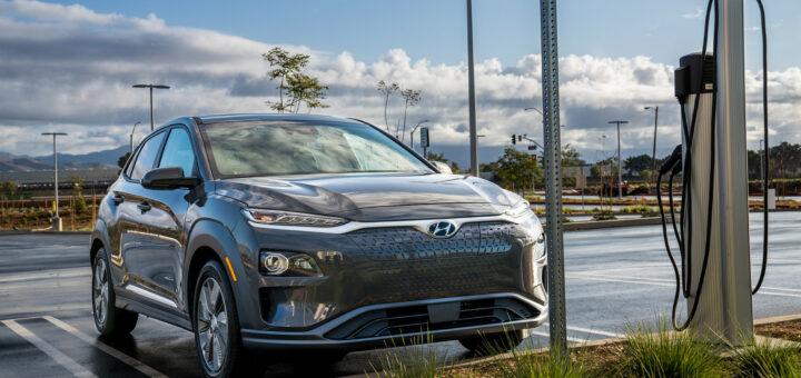 После Южной Кореи Hyundai отзовет еще 50 тыс. электромобилей Hyundai Kona на рынках США и Европы из-за риска возгорания батарей