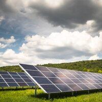 В Венгрии реализует десять проектов наземных солнечных электростанций общей мощностью 14,1 МВт