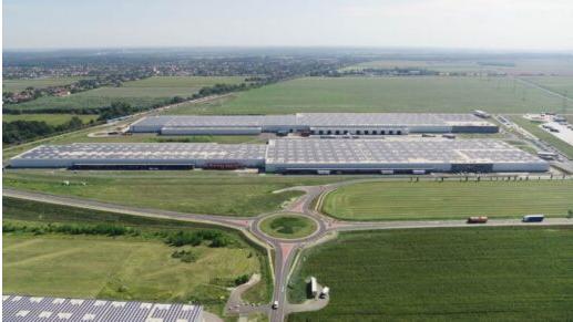 В Венгрии установили крышную солнечную электростанцию площадью 160 тыс. квадратных метрах и мощностью 12 МВт