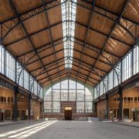 В Брюсселе старую железнодорожную станцию превратили в эко-ТРЦ с солнечной электростанцией