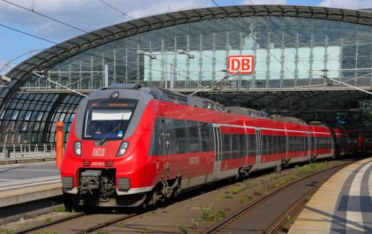 Главный железнодорожный оператор Германии Deutsche Bahn начал избавляться от дизельных поездов