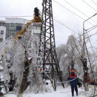 Власти Приморья оценивают затраты на ликвидацию последствий ледяного дождя в 180 млн. рублей
