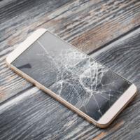 Корейские ученые разработали защитный материал для смартфона, который самовосстанавливается после повреждений