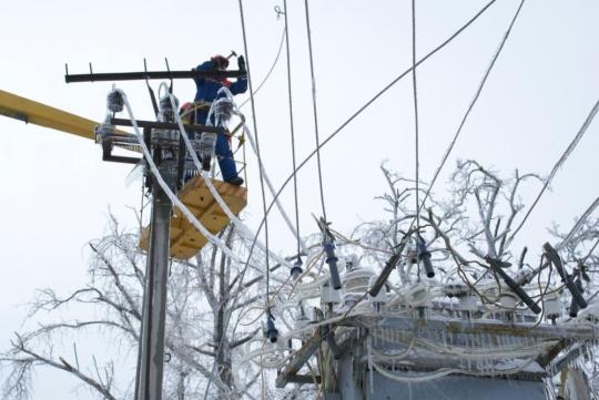 Дагестанские энергетики восстанавливают нарушенное непогодой энергоснабжение части потребителей в отдельных районах Республики