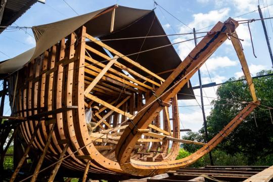 В Коста-Рике строят деревянный грузовой корабль, который будет самым большим в мире судном, работающим на энергии ветра и солнца