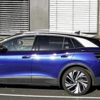Volkswagen представила двухстороннюю станцию зарядки электромобилей
