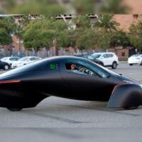 Представлен электромобиль на солнечных батареях, который не нуждается в зарядке
