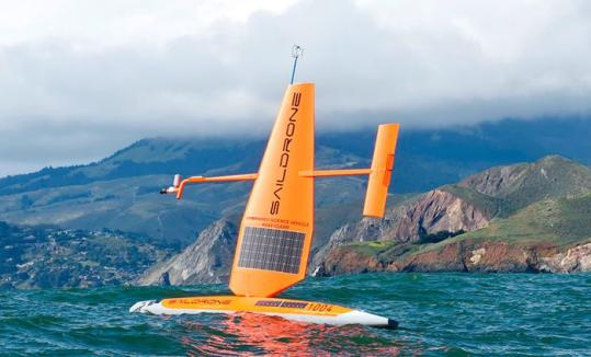 В США представили беспилотного плавучего робота, который работает на солнечных панелях