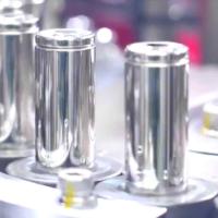 Ученые создали безанодную батарею на основе цинка: она дешевая и экологически чистая