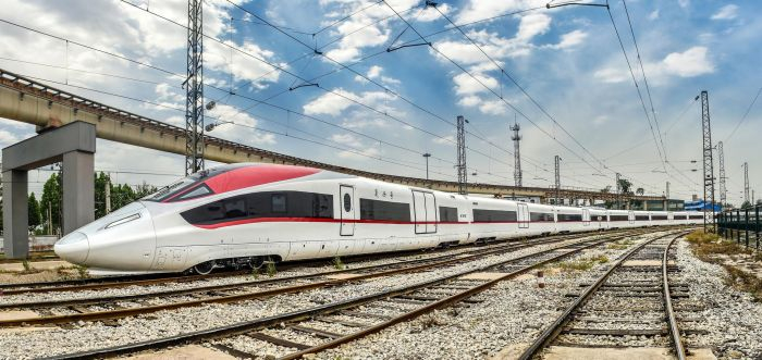 В Китае построен высокоскоростной грузовой поезд для перевозок на скорости 350 км/ч