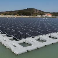 В Азербайджане построят плавучую солнечную электростанцию общей мощностью 100 кВт