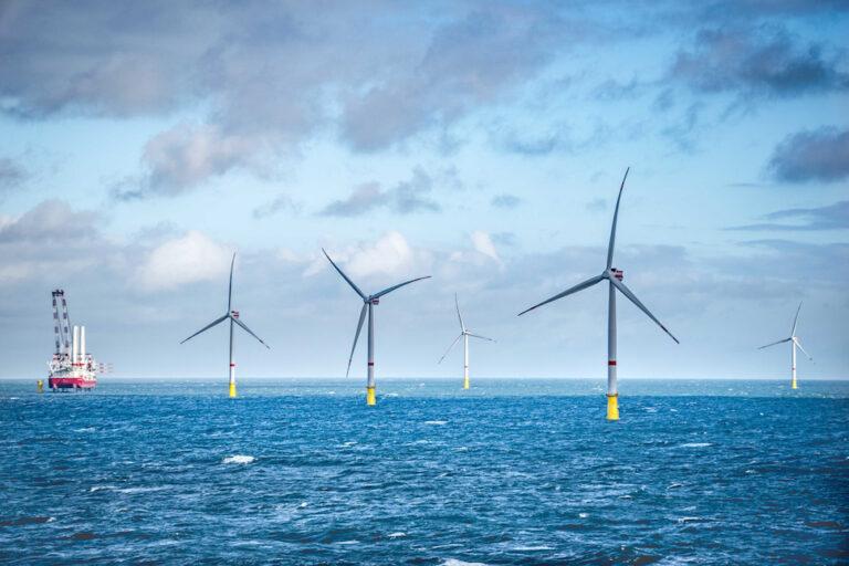 BP и Total построят гигантские офшорные ветровые электростанции в Великобритании