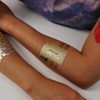 Итальянские ученые создали «умную» татуировку при помощи светоизлучающей технологии OLED