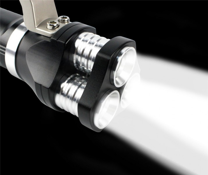 Ручной фонарь прожектор HL-633-T6 — 1 990 Р