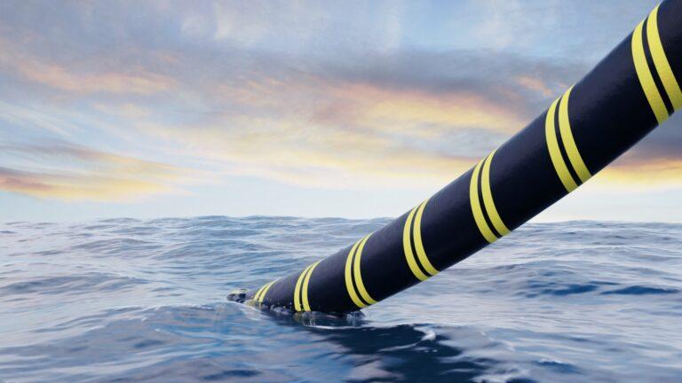 Facebook и Google планируют проложить новые подводные кабели для соединения Юго-Восточной Азии и Америки
