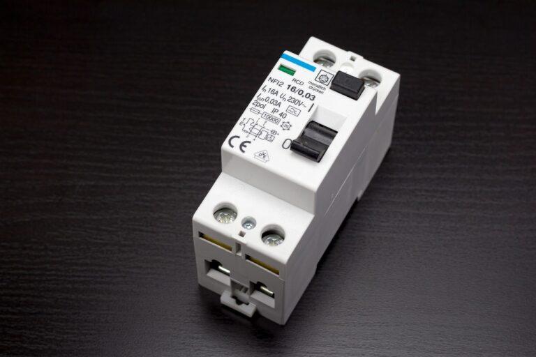 Что внутри автоматического выключателя? Принцип работы автомата