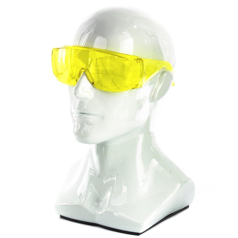 Простые поликарбонатные очки — от 30 рублей