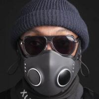 Дизайнер SpaceX и рэпер Will.i.am выпустили «умную» маску за 299 долларов