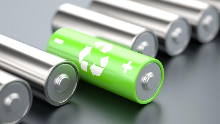 Американские ученые создали батарею, которая легко растворяется в кислоте