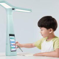 ByteDance представила умную лампу для наблюдения за детьми во время учебы
