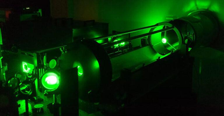 Впервые ученые смогли получить материю из энергии