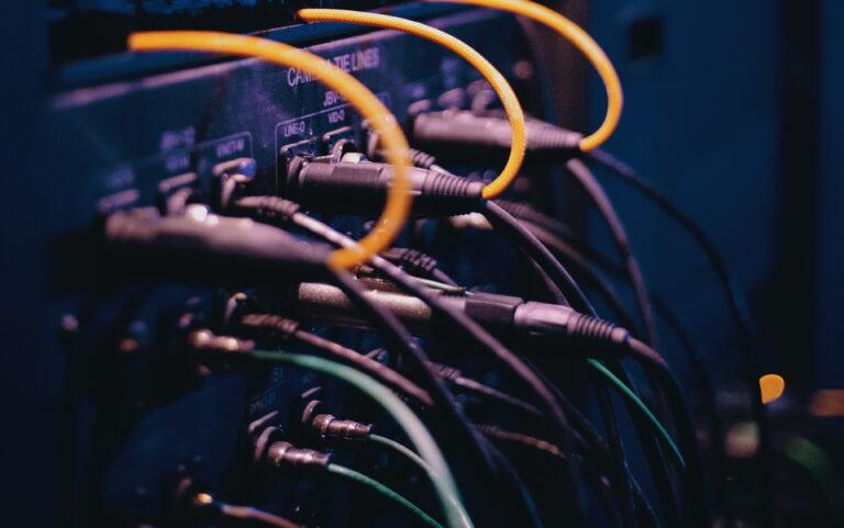Акустический кабель для звуковых колонок