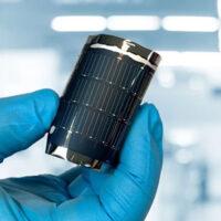 Создана гибкая солнечная панель с рекордным КПД