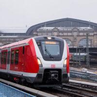 Первый в мире беспилотный поезд будет перевозить жителей Гамбурга