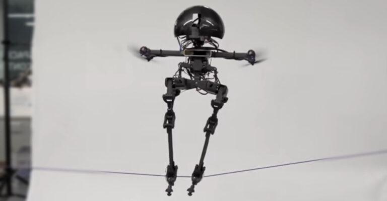 Двуногий летающий робот из Калифорнии